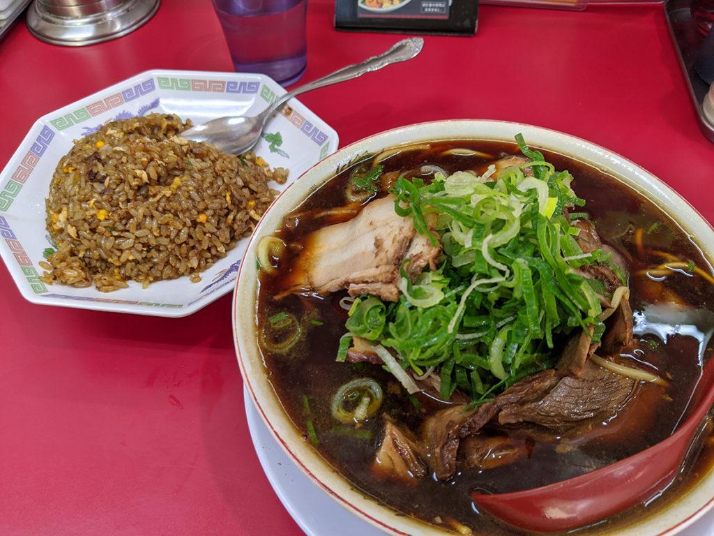 新福菜館のラーメン&チャーハン
