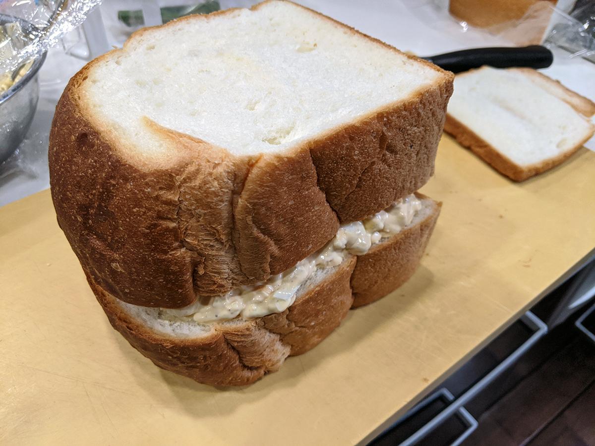 森本隆が作った巨大卵サンド