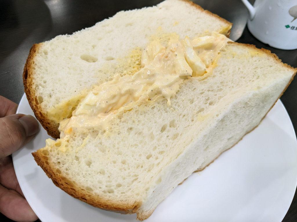 でかすぎ卵サンド