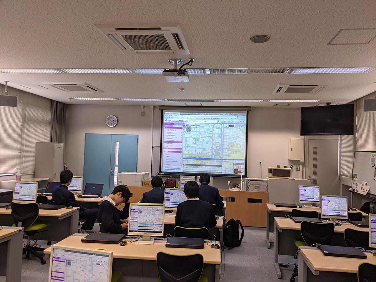 京都教育大学付属高校でハザードマップ講習
