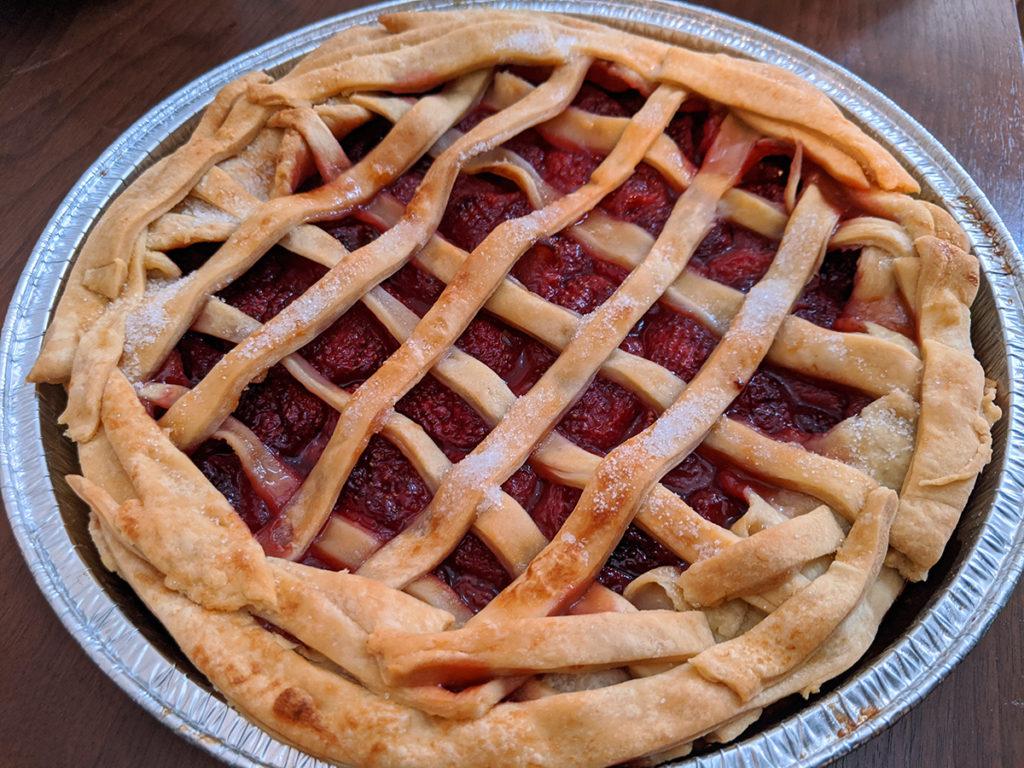 手作りイチゴのパイ